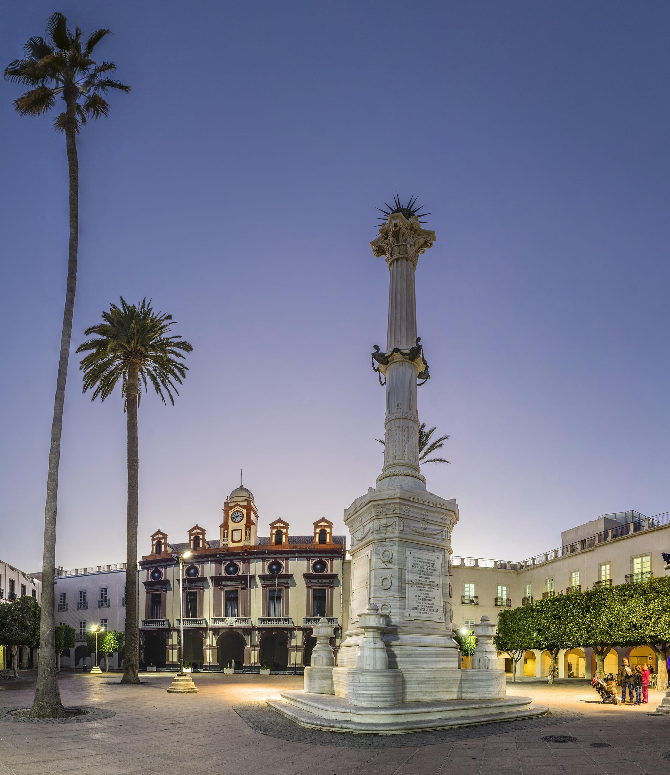 plaza de la constitución almeria